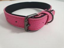 Bőr hatású rózsaszín nyakörv elegáns fém csattal, 3.0cmx43-55cm