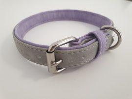 Velúr hatású szürke színű nyakörv fém csattal, 2.5cm x 40-50cm