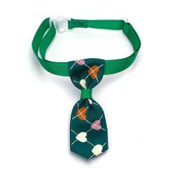 Zöld alpon szivecske mintás kutyanyekkendő